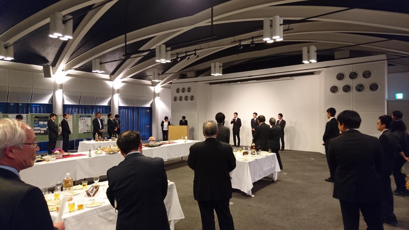 機械工学専攻博士前期課程2年の須田拓美さんが、複合材料界面科学研究会 第1回シンポジウムにて「優秀ポスター賞」を受賞しました。