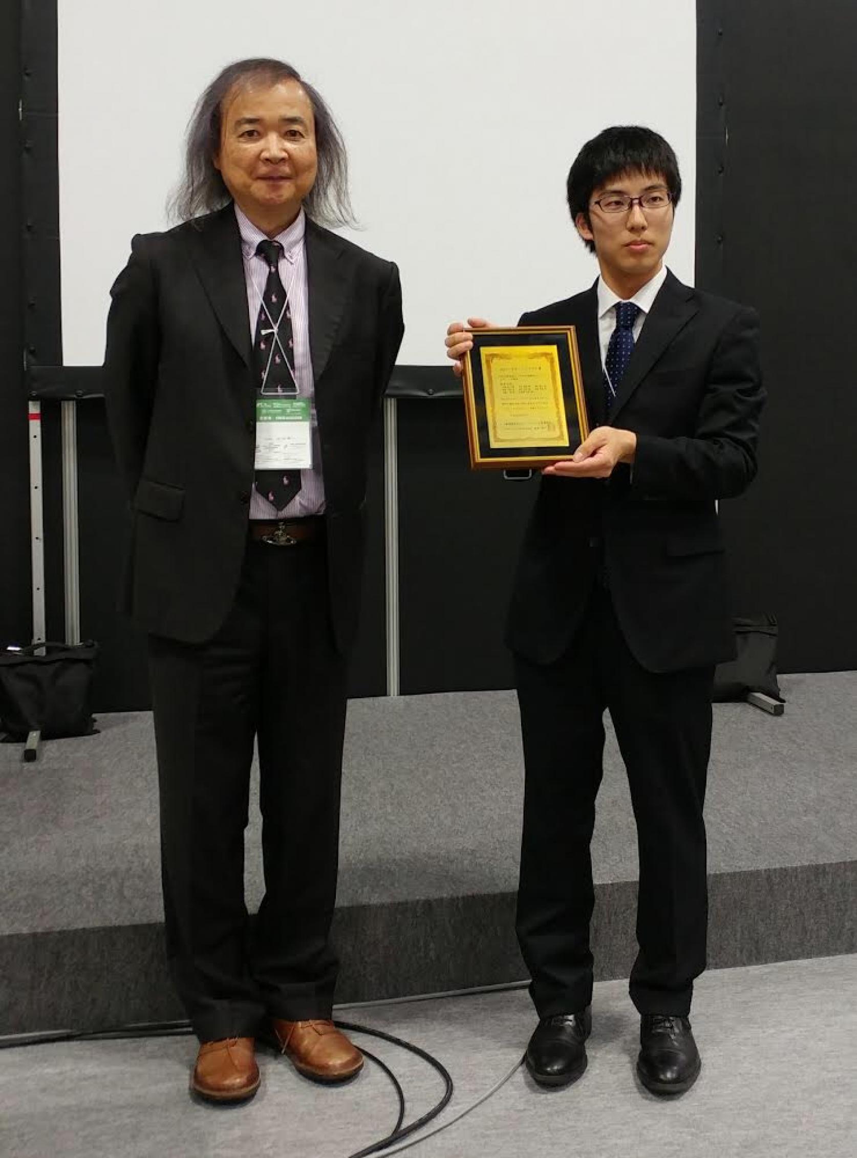 精密機械工学専攻 内海裕人さんが「JPCA Show 2017(第47回国際電子回路産業展)」にてアカデミックプラザ賞を受賞しました。