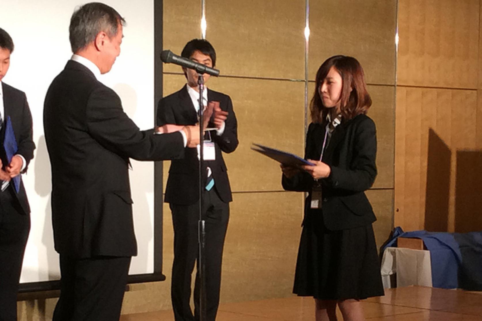 「第61回宇宙科学技術連合講演会」において、航空宇宙工学専攻の福永桃子さんが学生ポスターセッションで優秀発表賞を受賞しました。