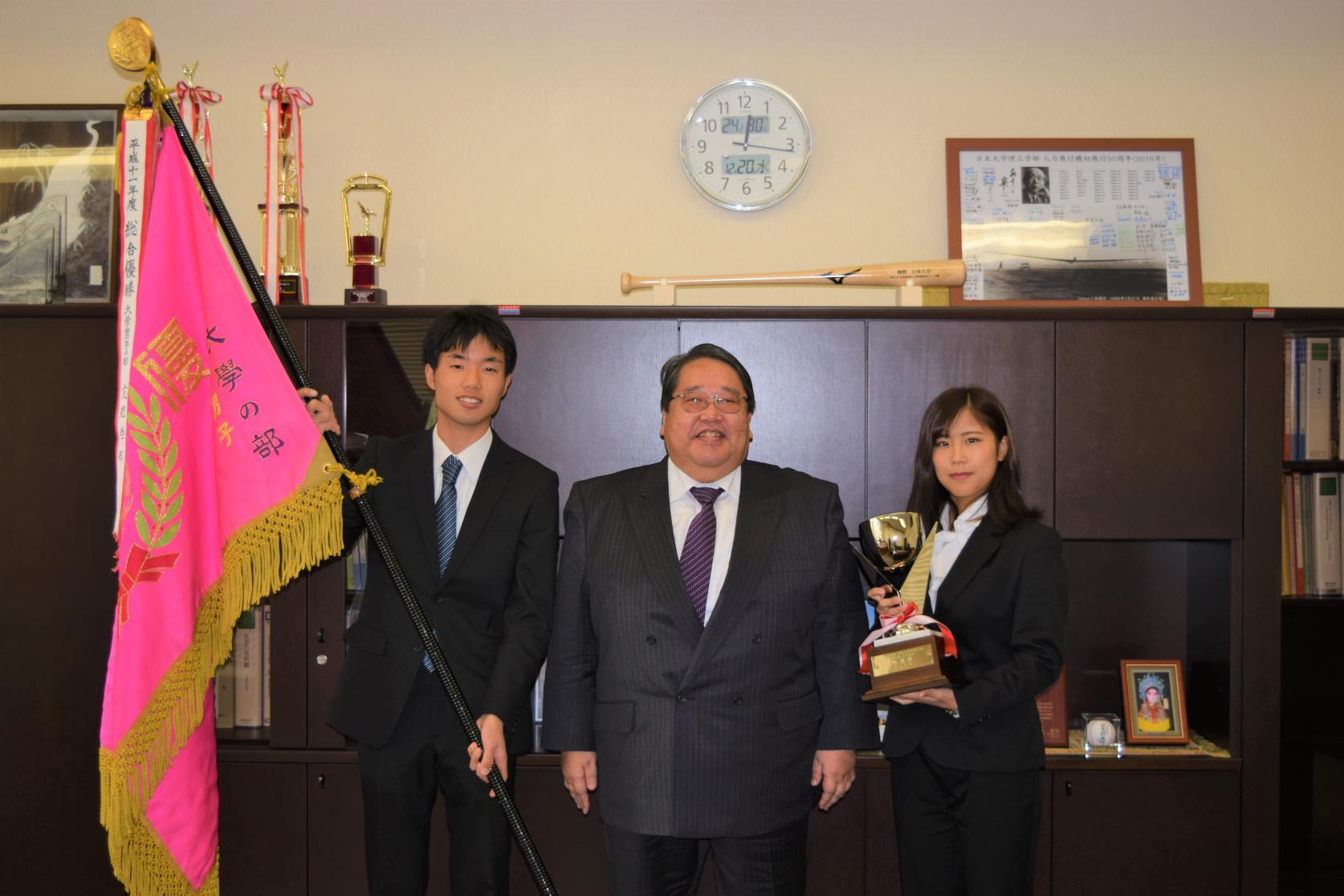 日本大学体育大会で理工学部が男子総合優勝、女子総合第2位となりました。