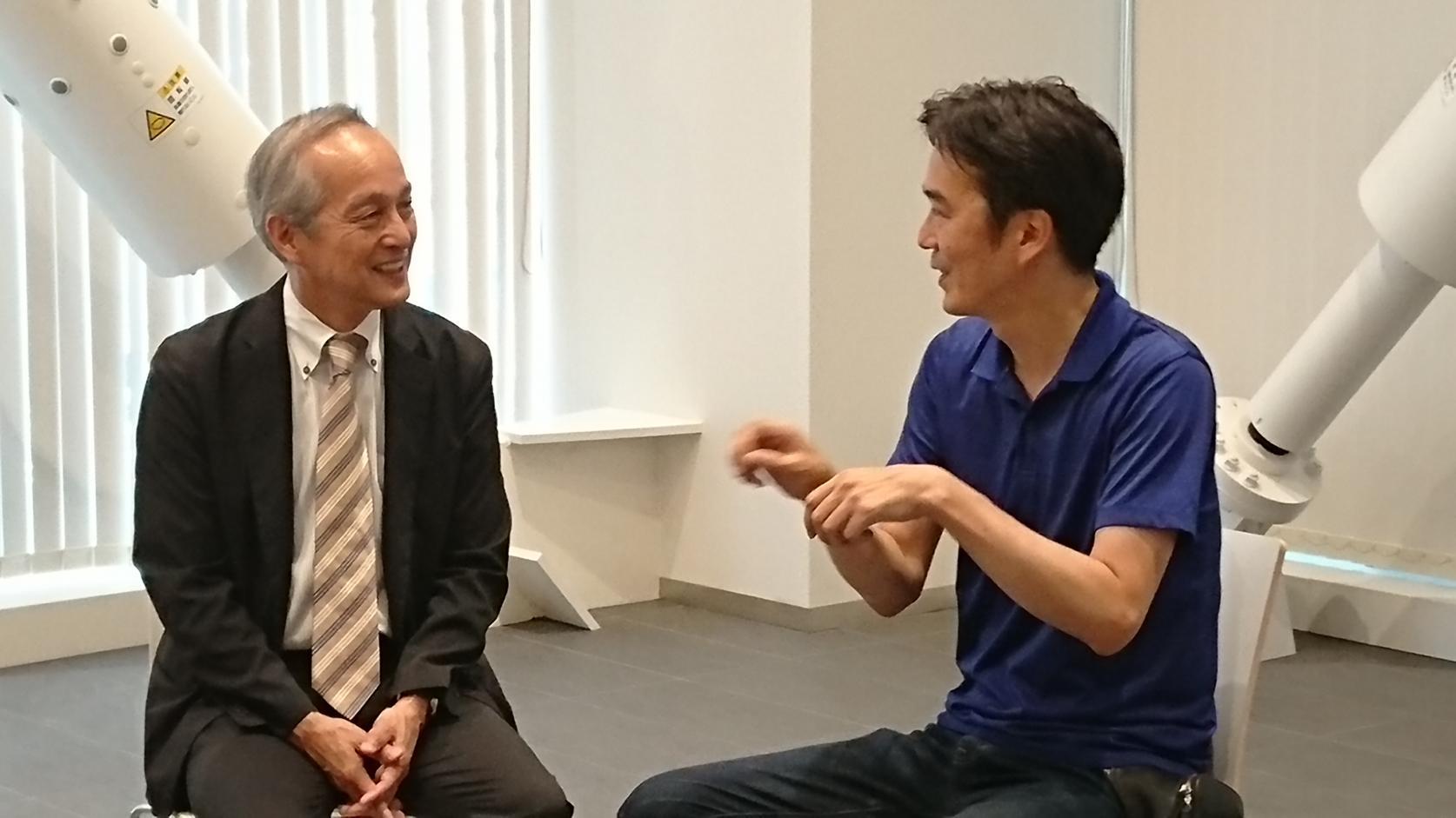 「ACE COMBAT 7: SKIES UNKNOWN」(バンダイナムコエンターテインメント)のブックレットに精密機械工学科 青木義男教授とアートディレクター菅野昌人氏の対談が収録されます。