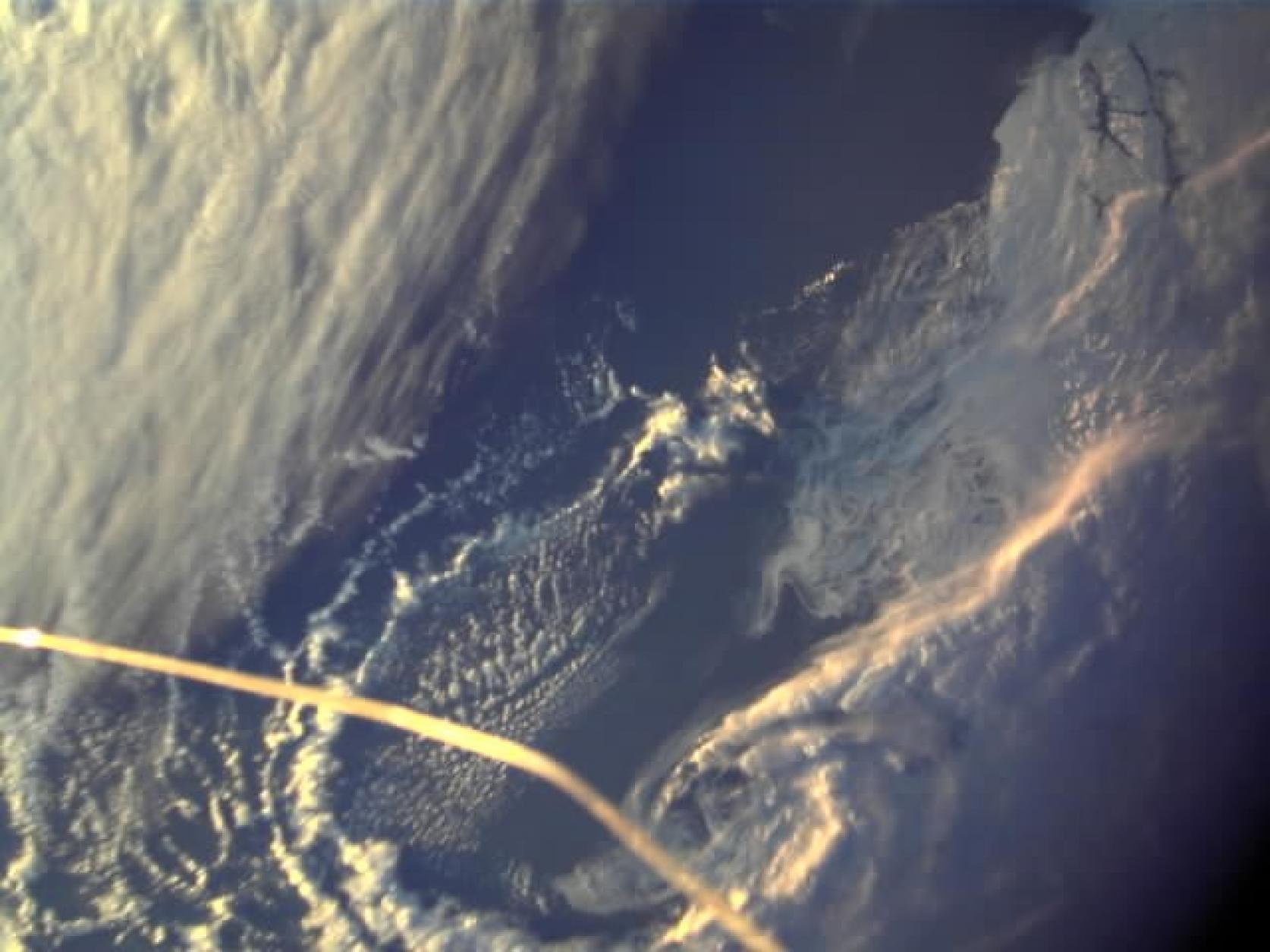 1月18日(金)に内之浦宇宙空間観測所からイプシロンロケット4号機で打上げられた、航空宇宙工学科 宇宙構造物システム研究室×JASMATが共同開発した人工衛星「NEXUS」から地球の写真が届きました。